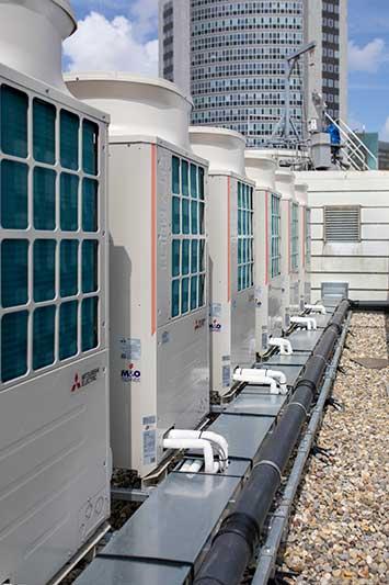 Installateur voor renovatie hotel. Warmtepompen, balansventilatie.